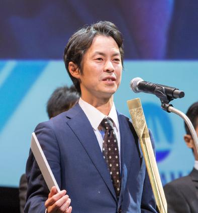 写真:ビジネス部門 イノベーションの部 大賞受賞者
